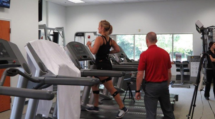 A Delaware Tech athlete participates in the 3D gait analysis