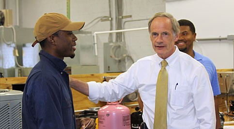 Senator Tom Carper Visits Innovation and Technology Center