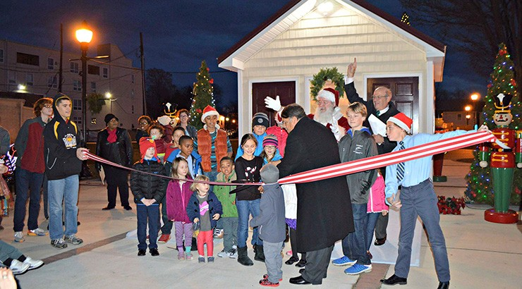 Holiday House Ribbon Cutting