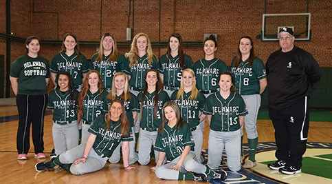 Lady Roadrunners team photo