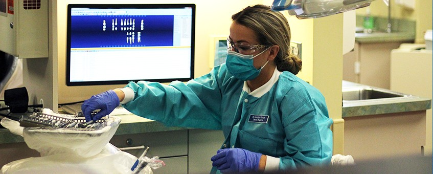 Dental Health Center student